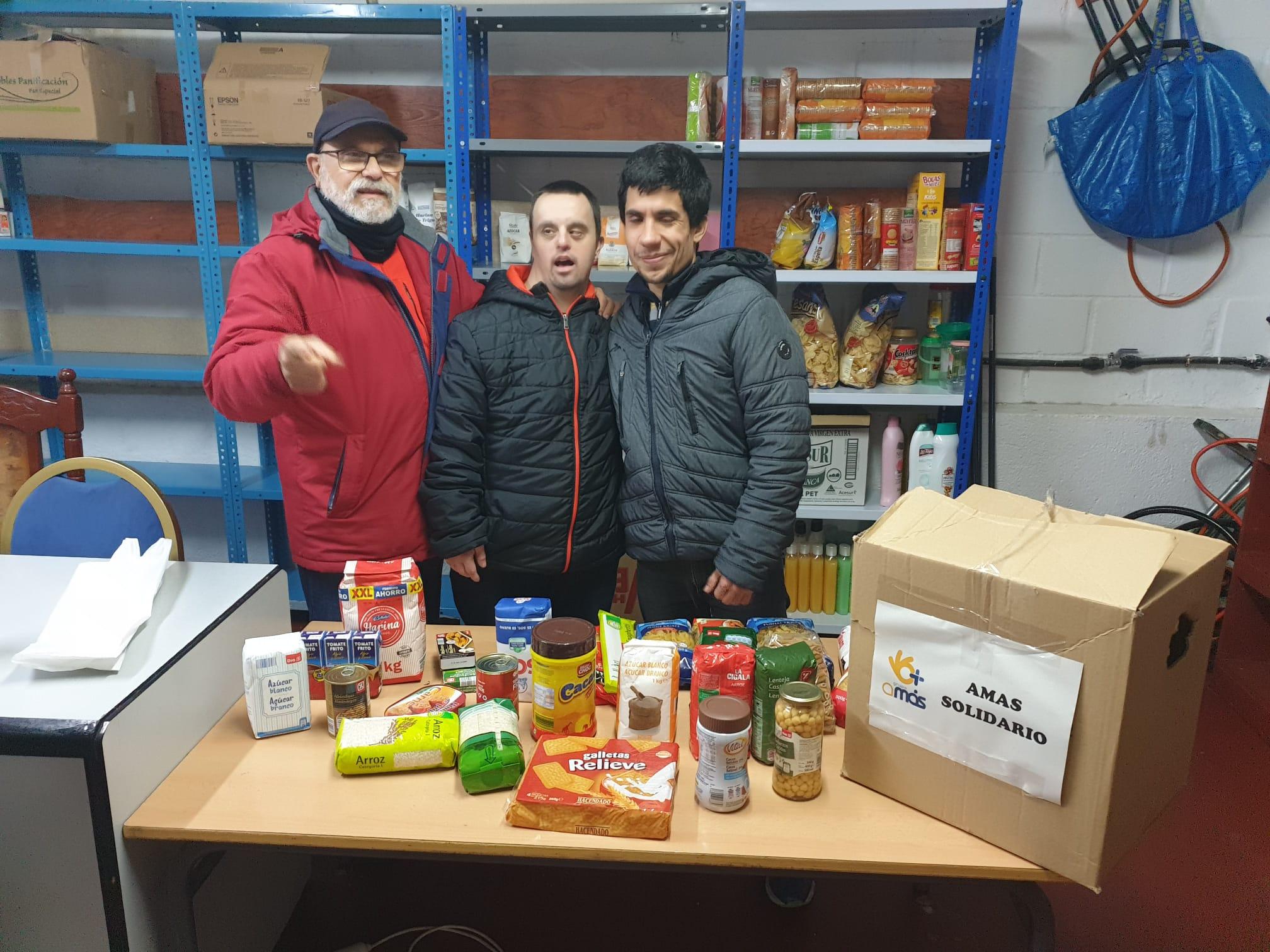 Campaña de recogida de alimentos en el COFOIL Arquímedes en Fuenlabrada. Foto: Grupo AMÁS