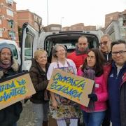 Familias del COFOIL Los Pinos, en Leganés, colaborando en la Campaña de recogida de alimentos. Foto: Grupo AMÁS
