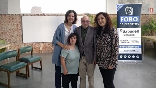 Presentación del convenio de colaboración entre Factoría Cultural y Grupo AMÁS. Foto: Grupo AMÁS.