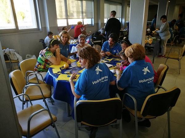 Confeccionando el vestuario de la Cabalgata de Reyes de Madrid. Foto: Grupo AMÁS.