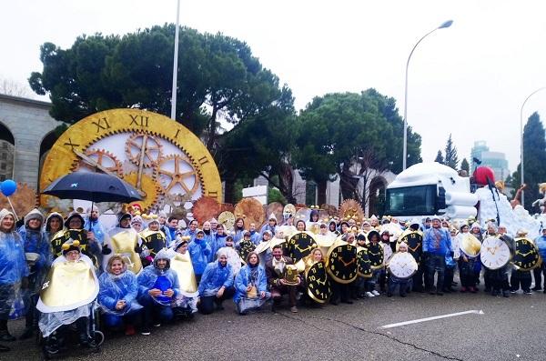 """""""Regalamos tiempo"""": La carroza de los Voluntarios de Caixa en la Cabalgata del Ayuntamiento de Madrid."""