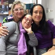 Carmen Treviño con Lola Molina y María Espejel. Foto: Grupo AMÁS.