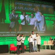 """Entrega del premio en el certamen """"Andalucía social"""". Foto: Grupo AMÁS."""