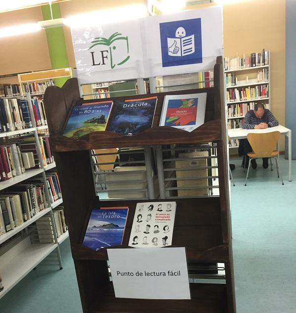 Punto de lectura accesible en la Biblioteca Rigoberta Menchú de Leganés. Foto: Grupo AMÁS.