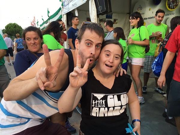 Solidaridad y diversión en el Chiringuito Solidario de Club Amigos. Foto: Grupo AMÁS.