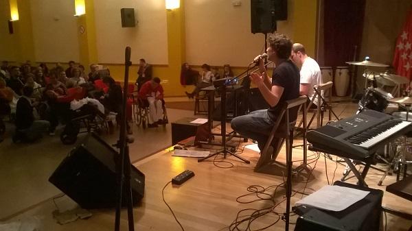 Actuación de Sixcom. Foto: Grupo AMÁS.