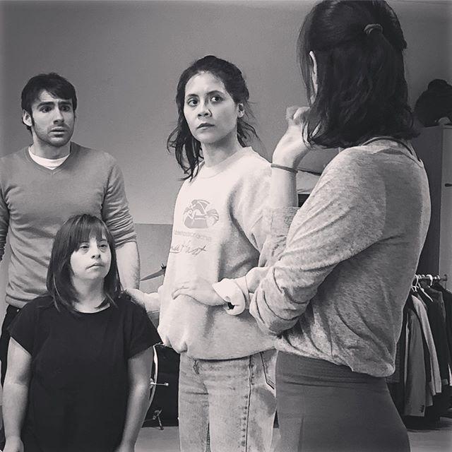 """La actriz Verónica Fernández, de AMÁS Escena, en un ensayo de """"Dumbo. El musical"""", Foto: Candileja Producciones"""